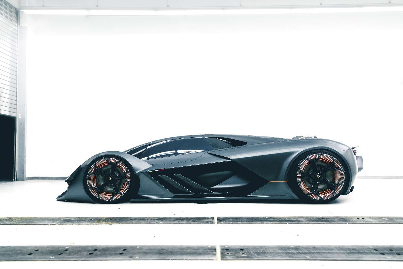 Lamborghini будущего: кузов-батарейка ссамовосстановлением— фото 813914