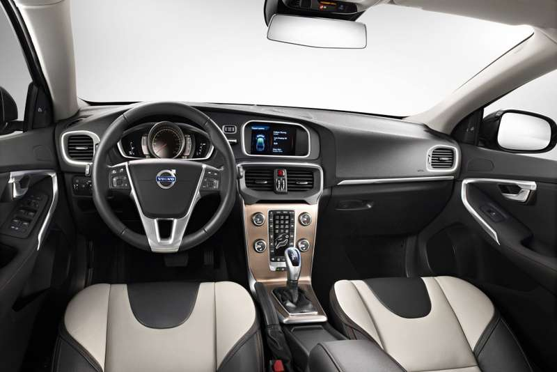 Volvo V40 Cross Country inside_no_copyright