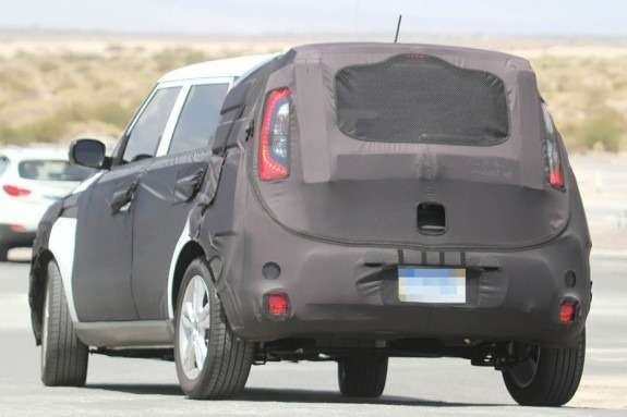 New Kia Soul test prototype side-rear view_no_copyright
