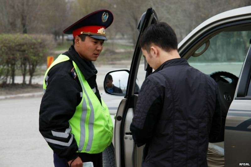 казахский полицейский