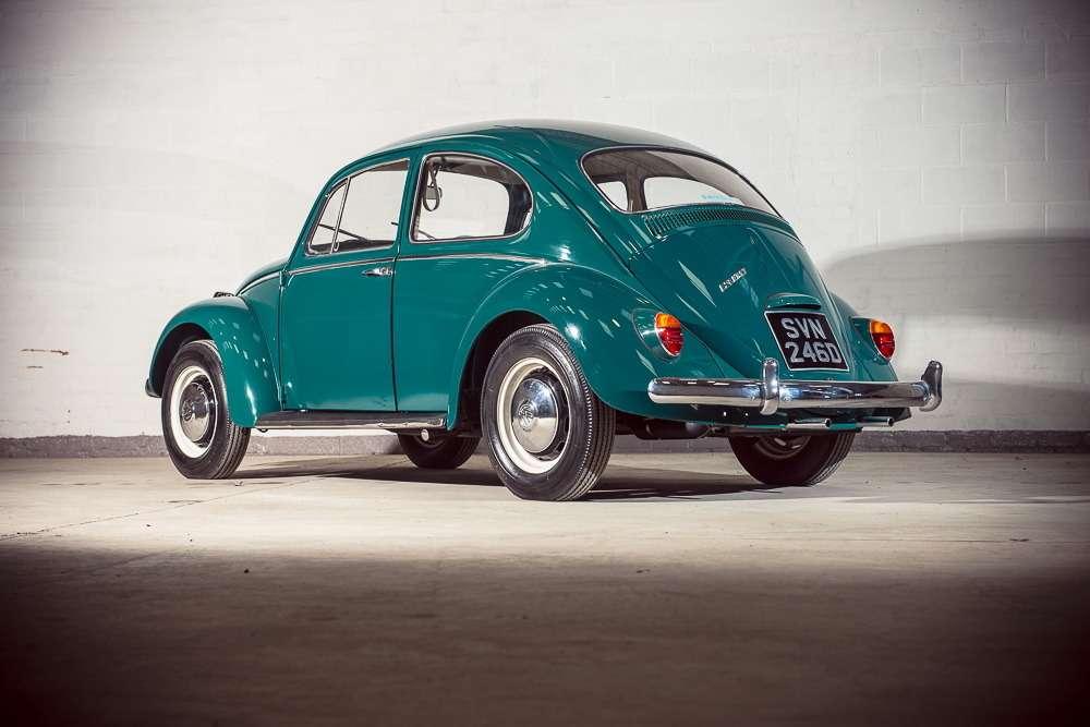Неуспели «прихлопнуть»: полувековой Volkswagen Beetle смизерным пробегом— фото 700656