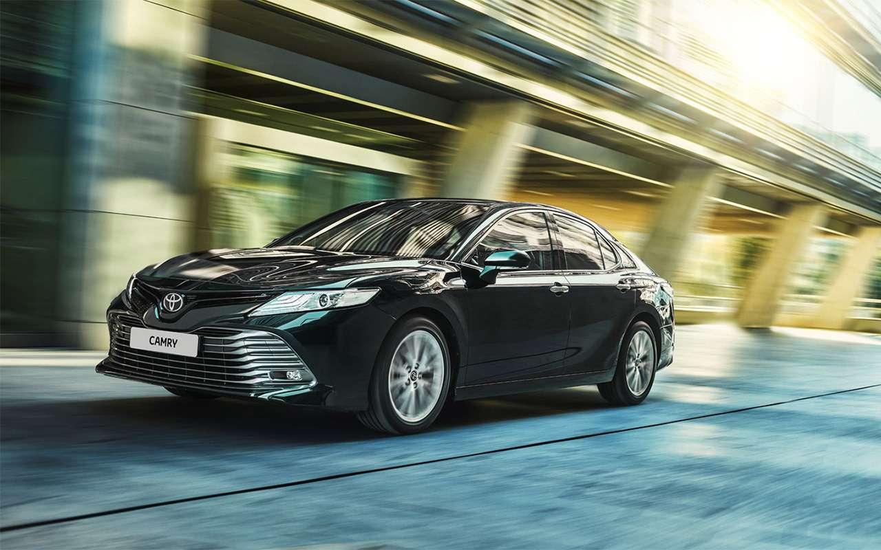 Чтолучше: новая Toyota Camry или Kia Optima?— фото 859438