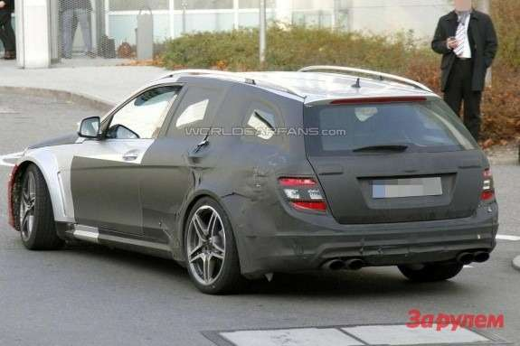 Mercedes-Benz C63AMG Black Series T-Model side-rear view