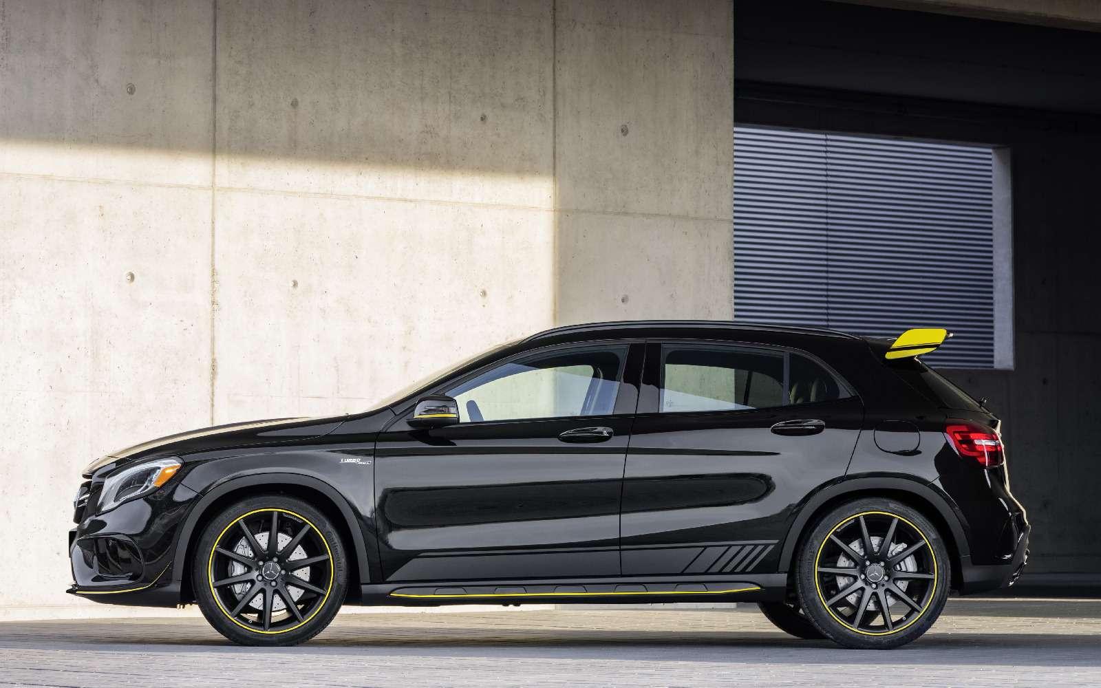 Mercedes-Benz GLA стал краше, нонепросторнее— фото 690078
