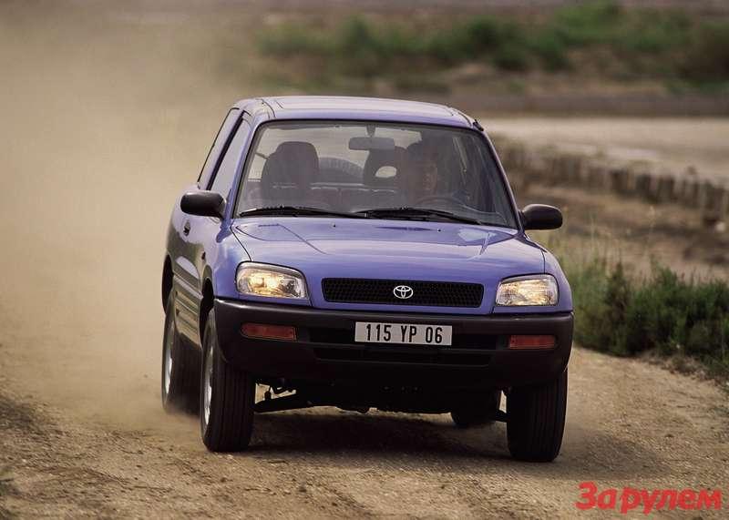 Toyota_RAV4_2014_za_rulem_06