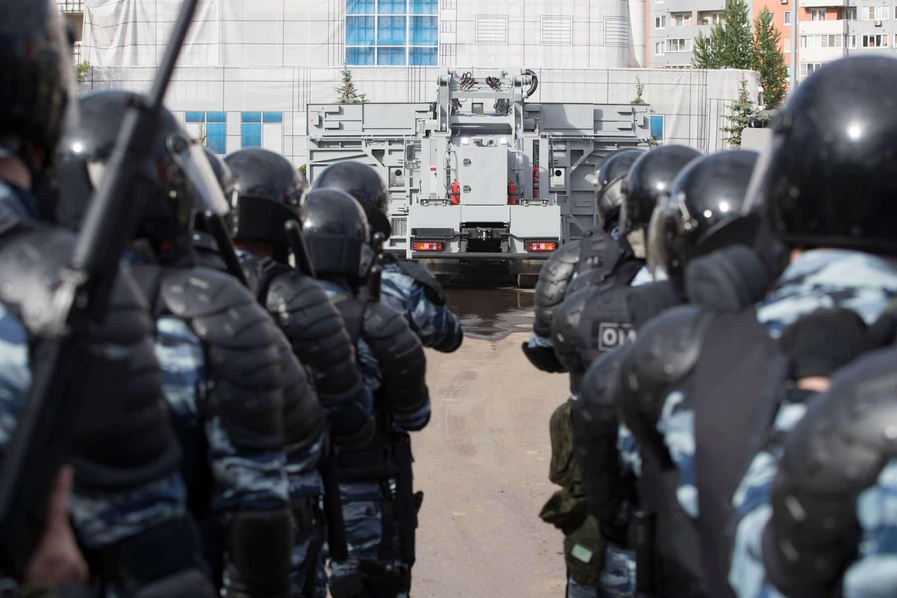 Комплекс «Стена»: Росгвардия получит новую технику дляразгона митингов— фото 906553