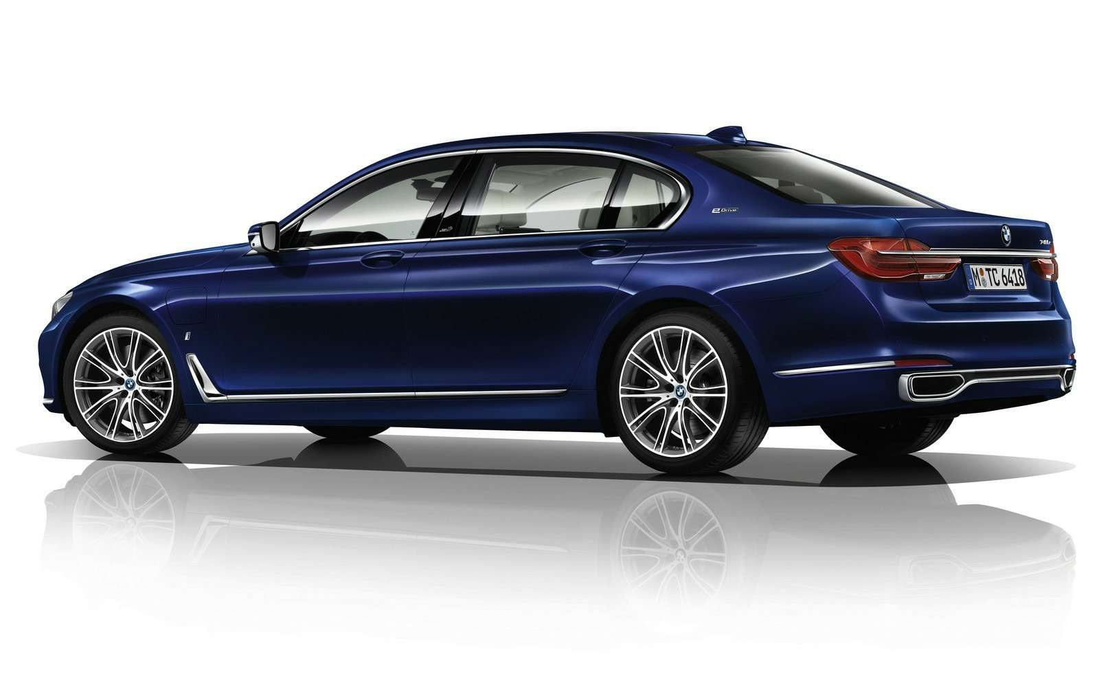 BMWвыпустит юбилейную «семерку»— фото 577985