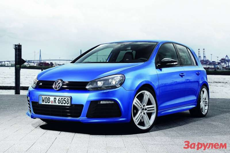 Volkswagen Golf R side-front view