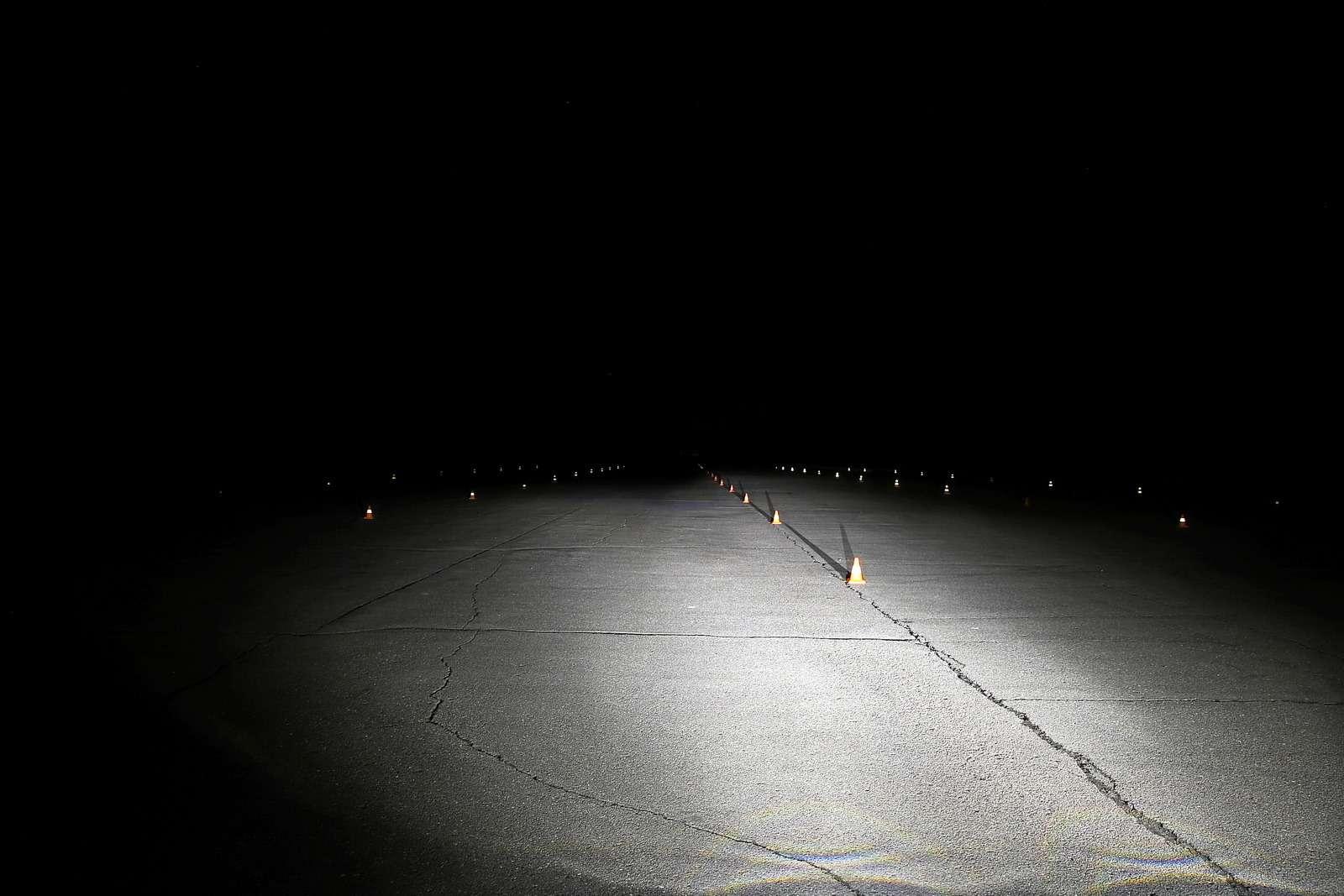 Супертест светодиодных фар: какая из10машин заглянет дальше?— фото 601222
