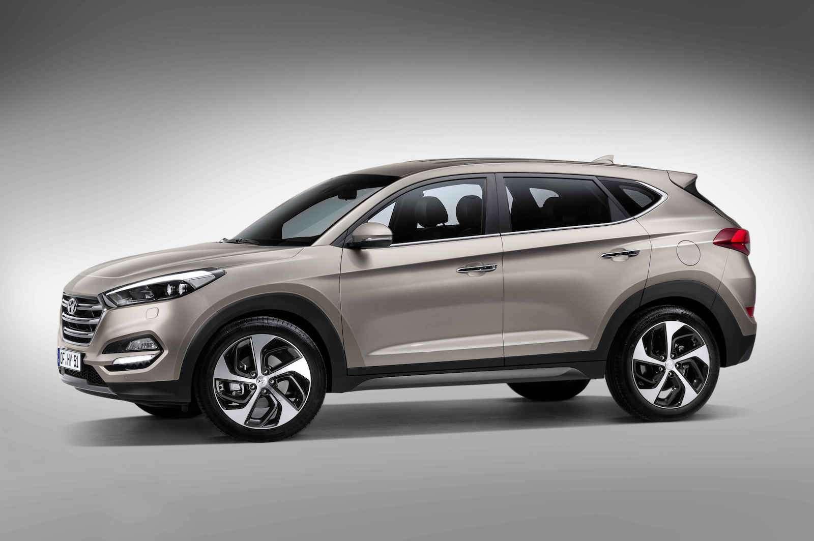 Hyundai Tucson или Santa Fe: на что потратить два миллиона рублей? — фото 601324