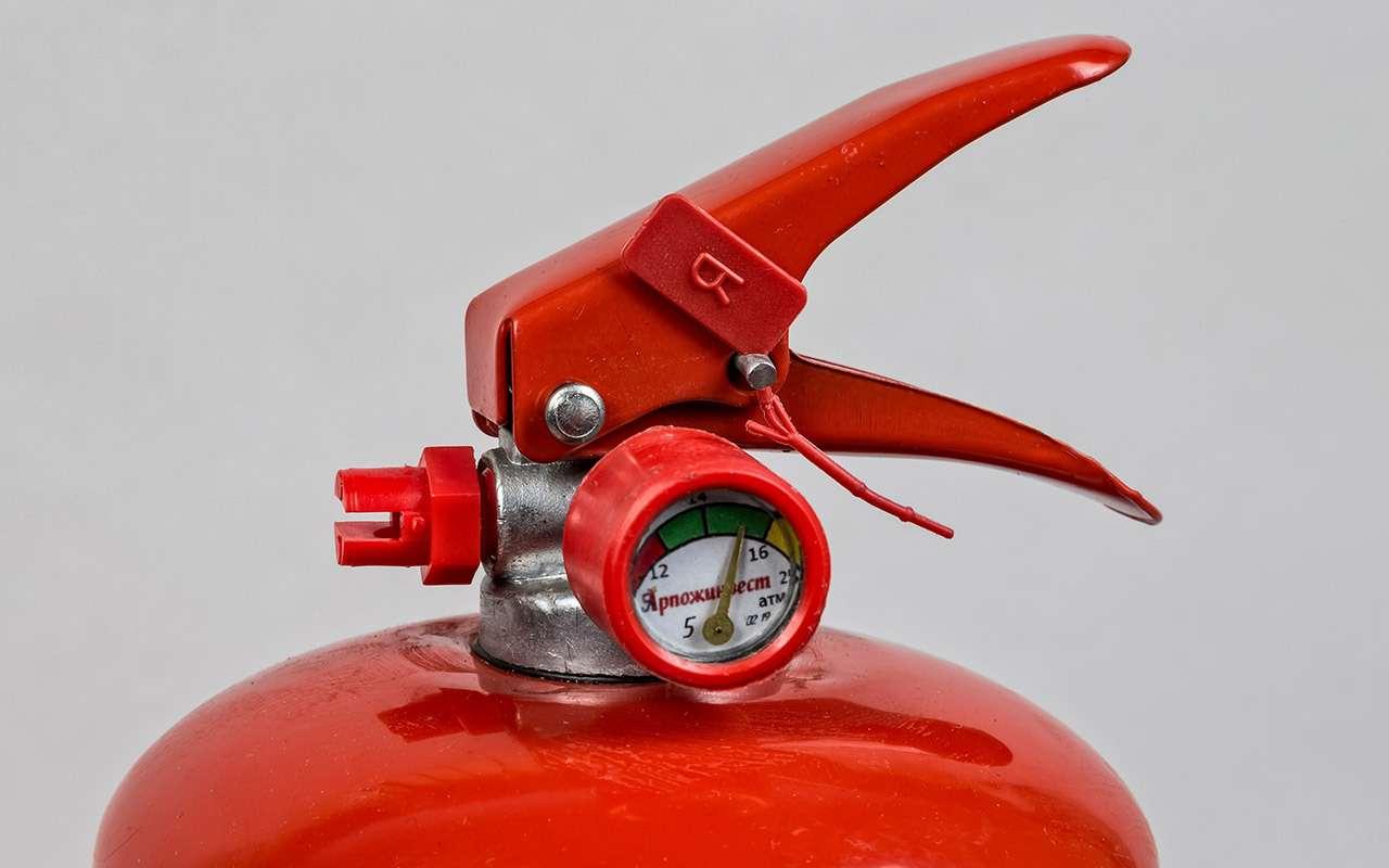 8 огнетушителей: эксперты «Зарулем» выбрали правильные— фото 976825