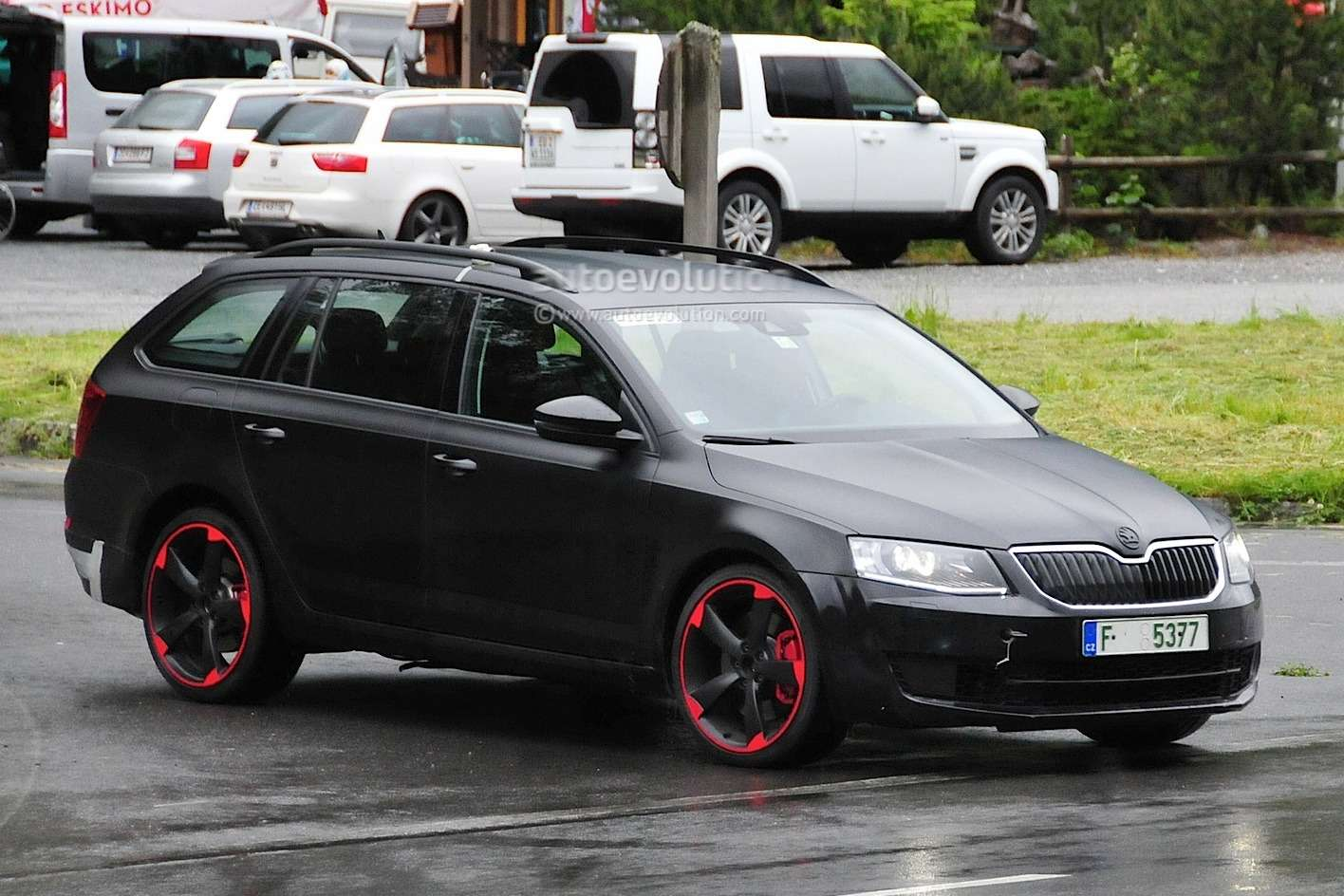 hardcore-skoda-octavia-vrs-with-280-hp-spied-for-the-first-time-photo-gallery_2