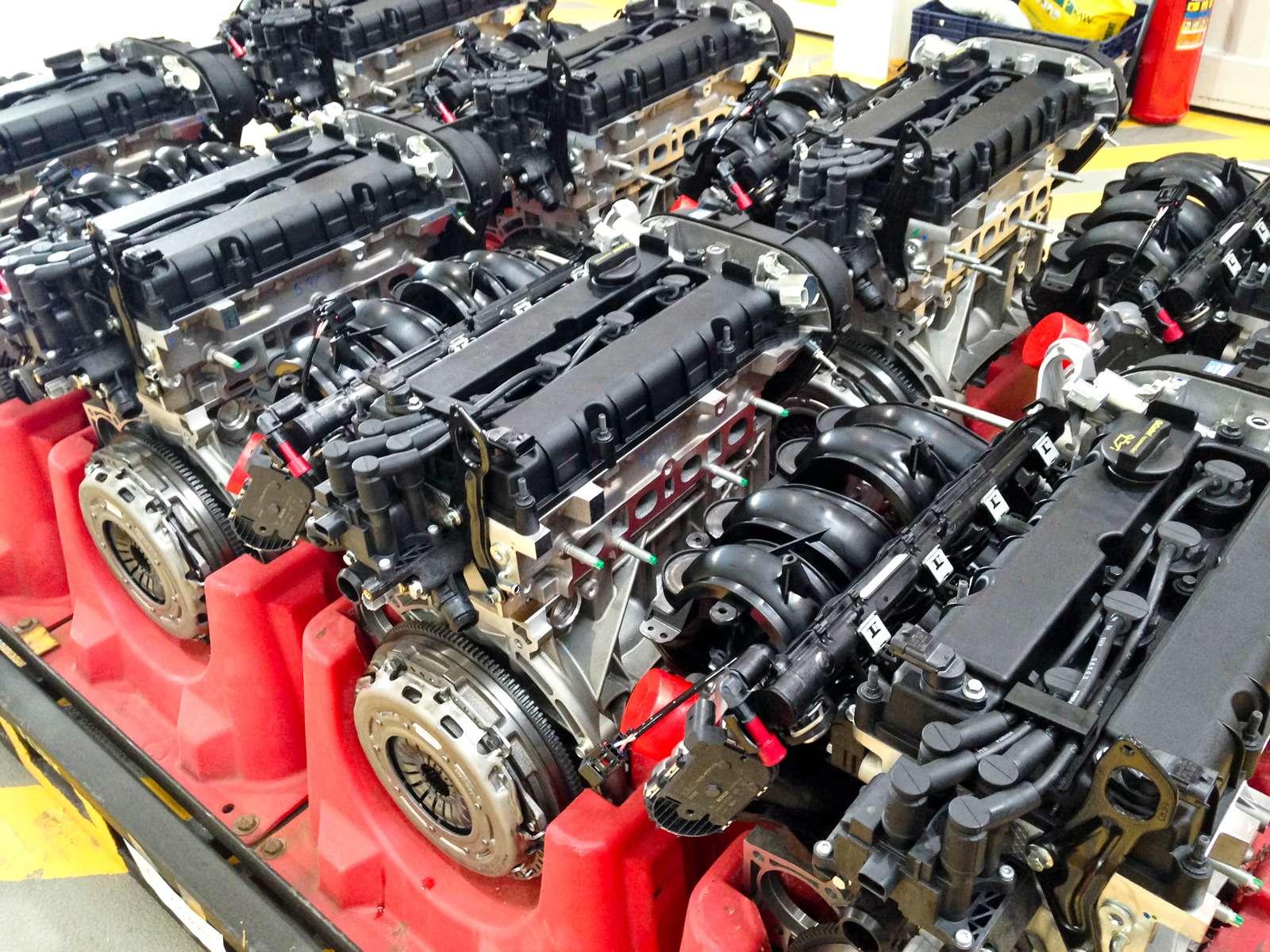 Каксобирают моторы Ford вЕлабуге— фото 595368