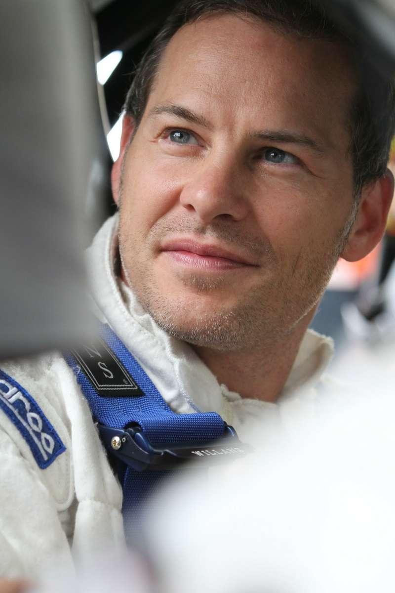 3 Jacques Villeneuve atMont Tremblant nocopyright)