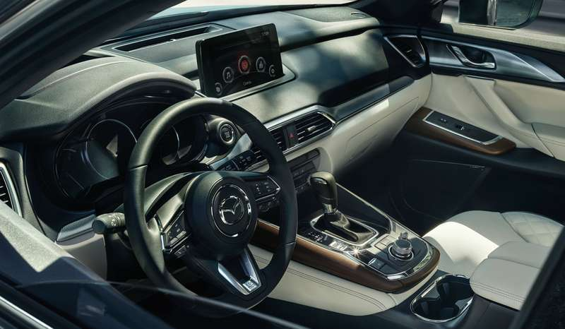 Mazda назвала все цены накроссовер CX-9