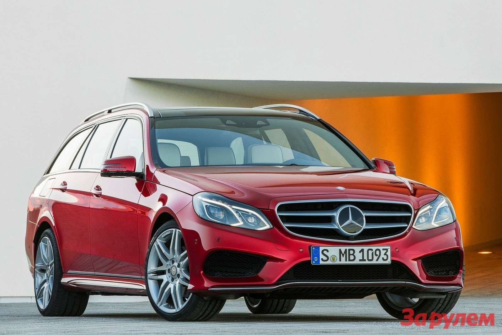 Mercedes-Benz-E-Class_Estate_2014_1600x1200_wallpaper_01