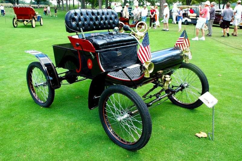 Oldsmobile Model R, каких в1903 году было выпущено 4000 штук. Фото www.conceptcarz.com