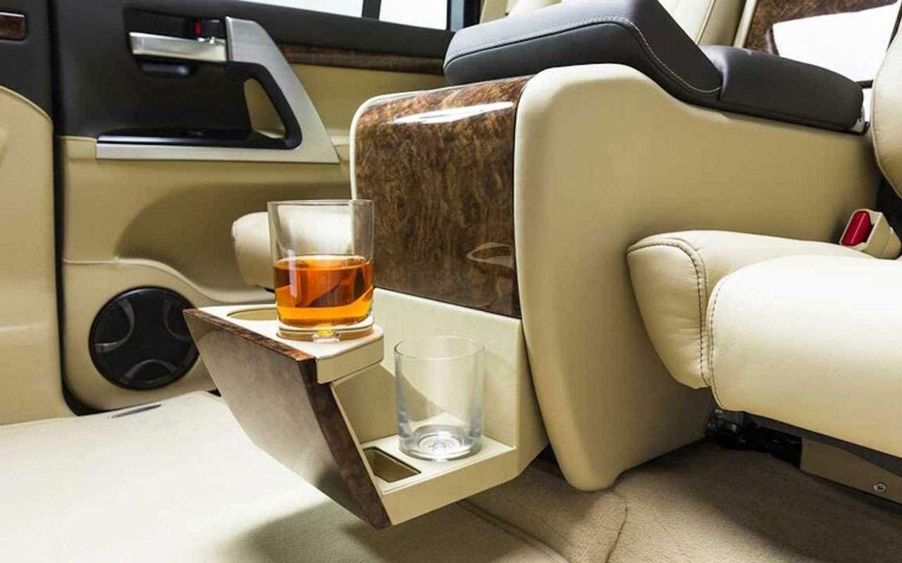 Новая версия Ленд Крузера: растянутый бронированный лимузин— фото 1125027