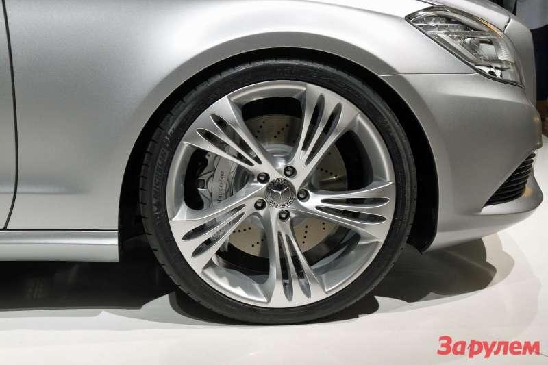 Mercedes-Benz_1