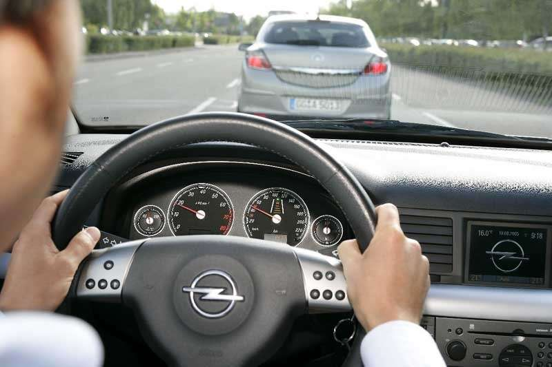 Opel вооружает шоферов лазерами— фото 105240