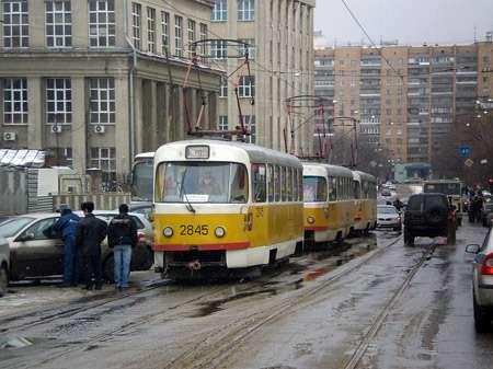 трамваи впробке_no_copyright