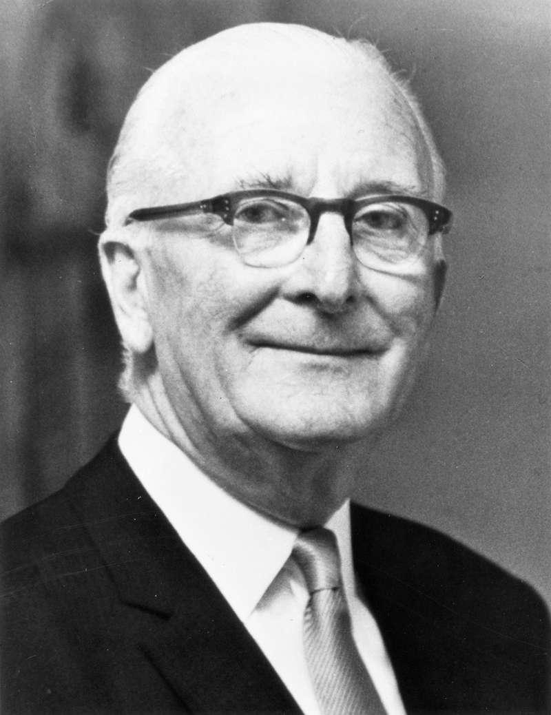 СэрУильям Лайонс, 4.09.1901— 8.02.1985гг.