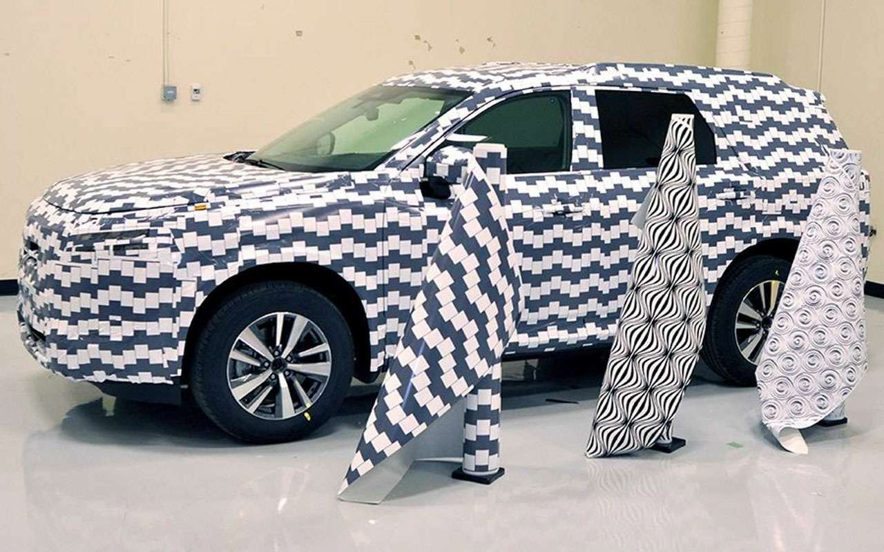 Nissan раскрыл секреты маскировки прототипов— фото 1222634