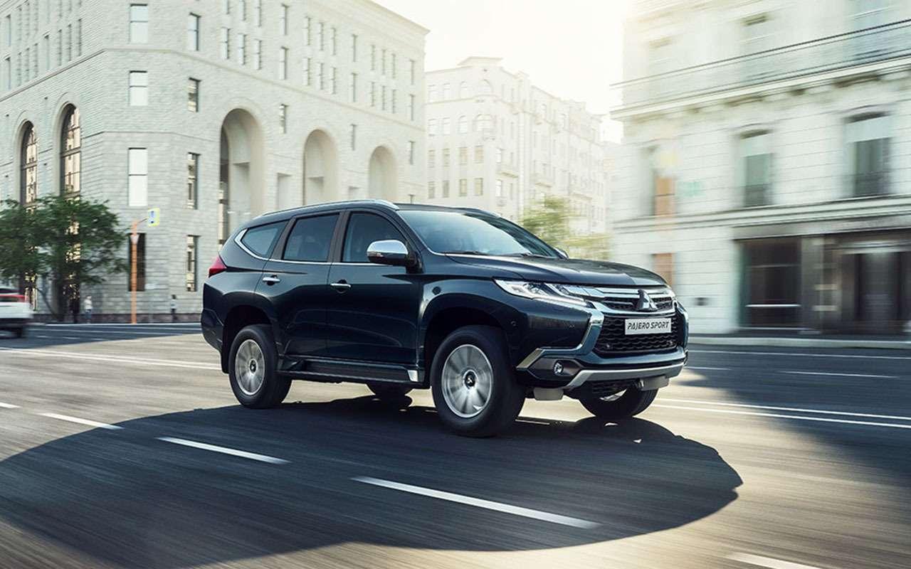 Mitsubishi Outlander иPajero Sport «взяли наборт» Яндекс.Авто— фото 1087077