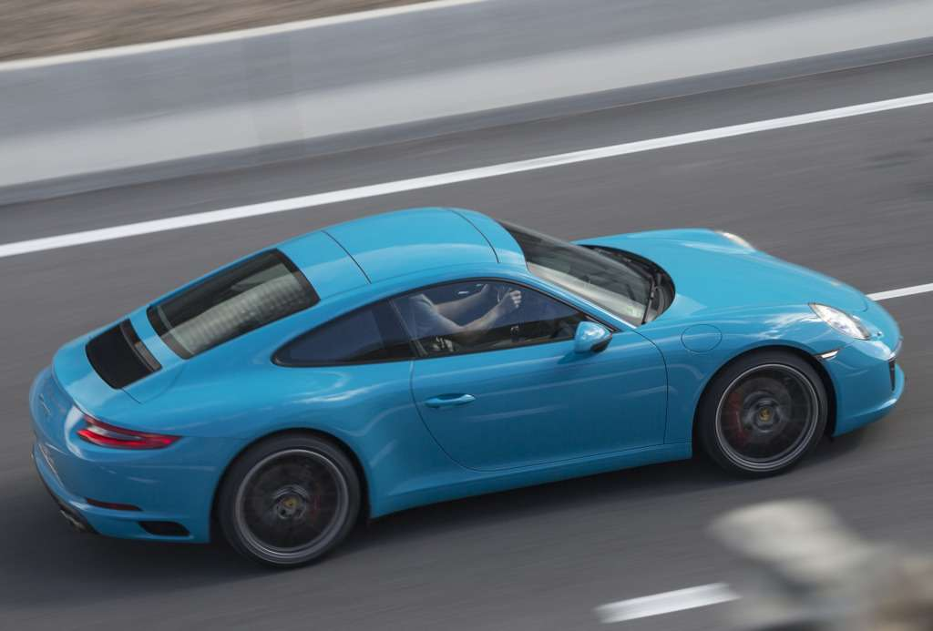 porsche_911_carrera_s_coupe_16