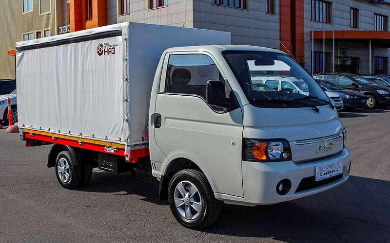 Новый мини-грузовик дляРоссии: унего разные колеса