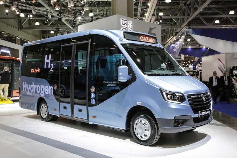ГАЗпоказал два новых автобуса натопливных элементах