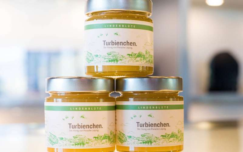 Компания Порш  вышла нарынок мёда