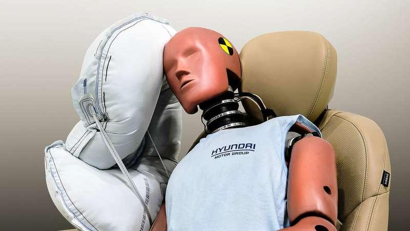 Новая подушка безопасности: теперь между водителем ипассажиром