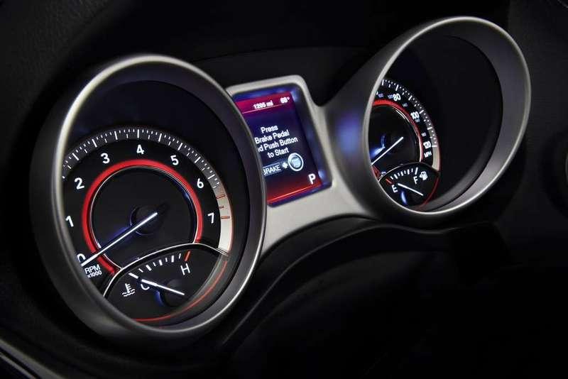 Dodge Journey 2011 panel