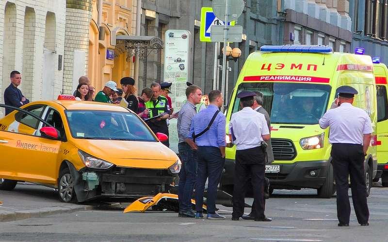 Сбивший людей таксист ранее участвовал вбоях без правил
