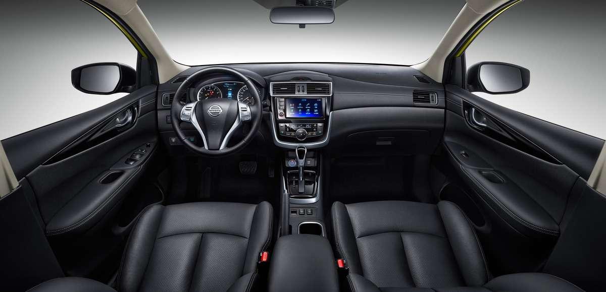 Обновленная Nissan Tiida позаботится омолодежи— фото 580863