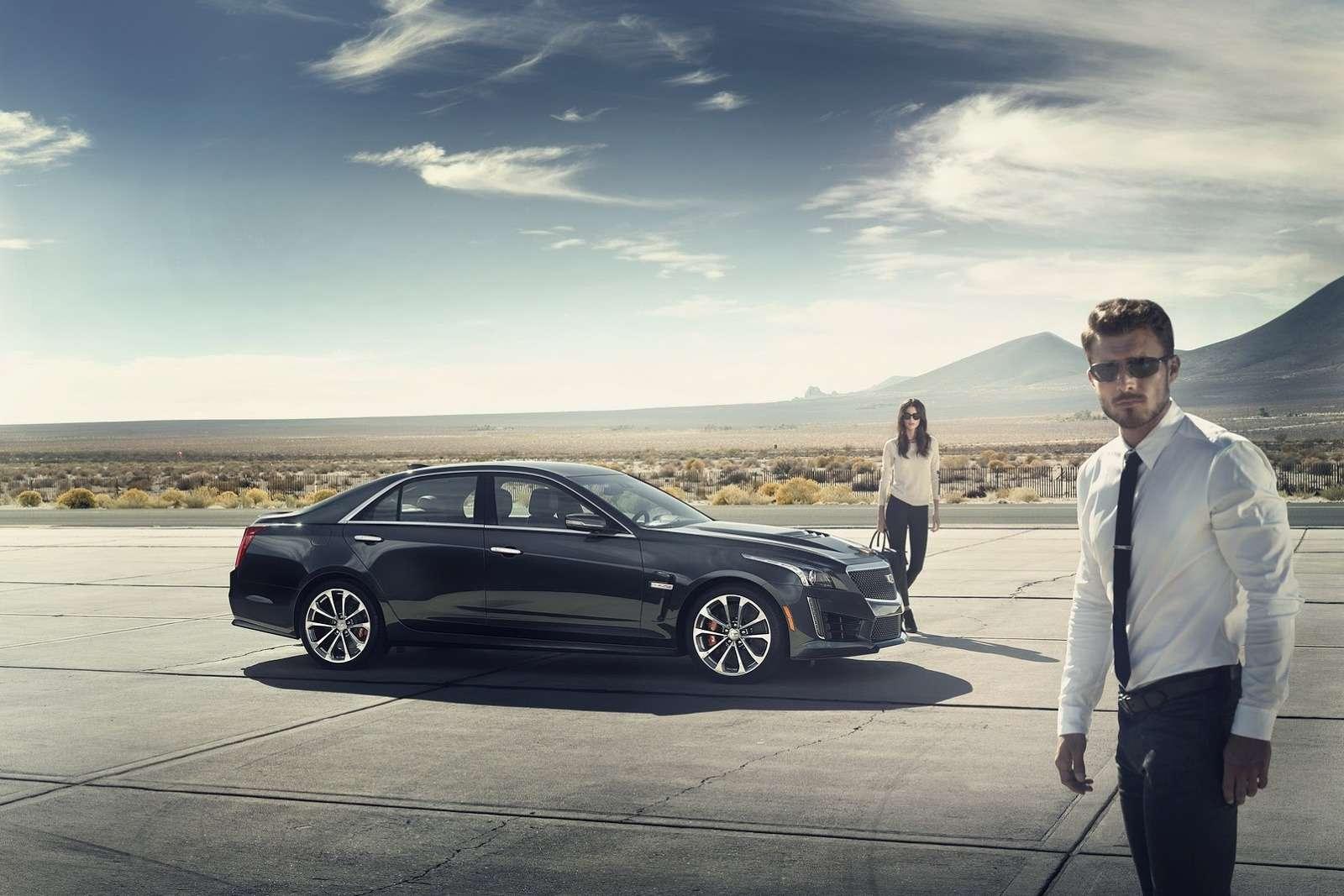 2016-Cadillac-CTS-V-Sedan-10