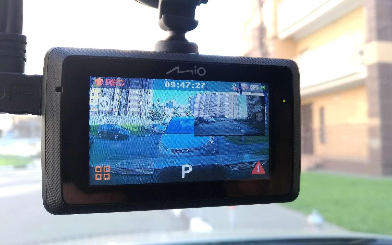 Видеорегистратор вместо камеры заднего вида— эксперимент ЗР— фото 904969