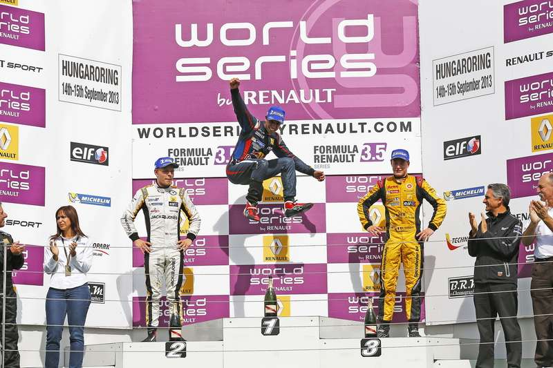 AUTO   WORLD SERIES BYRENAULT HUNGARORING 2013