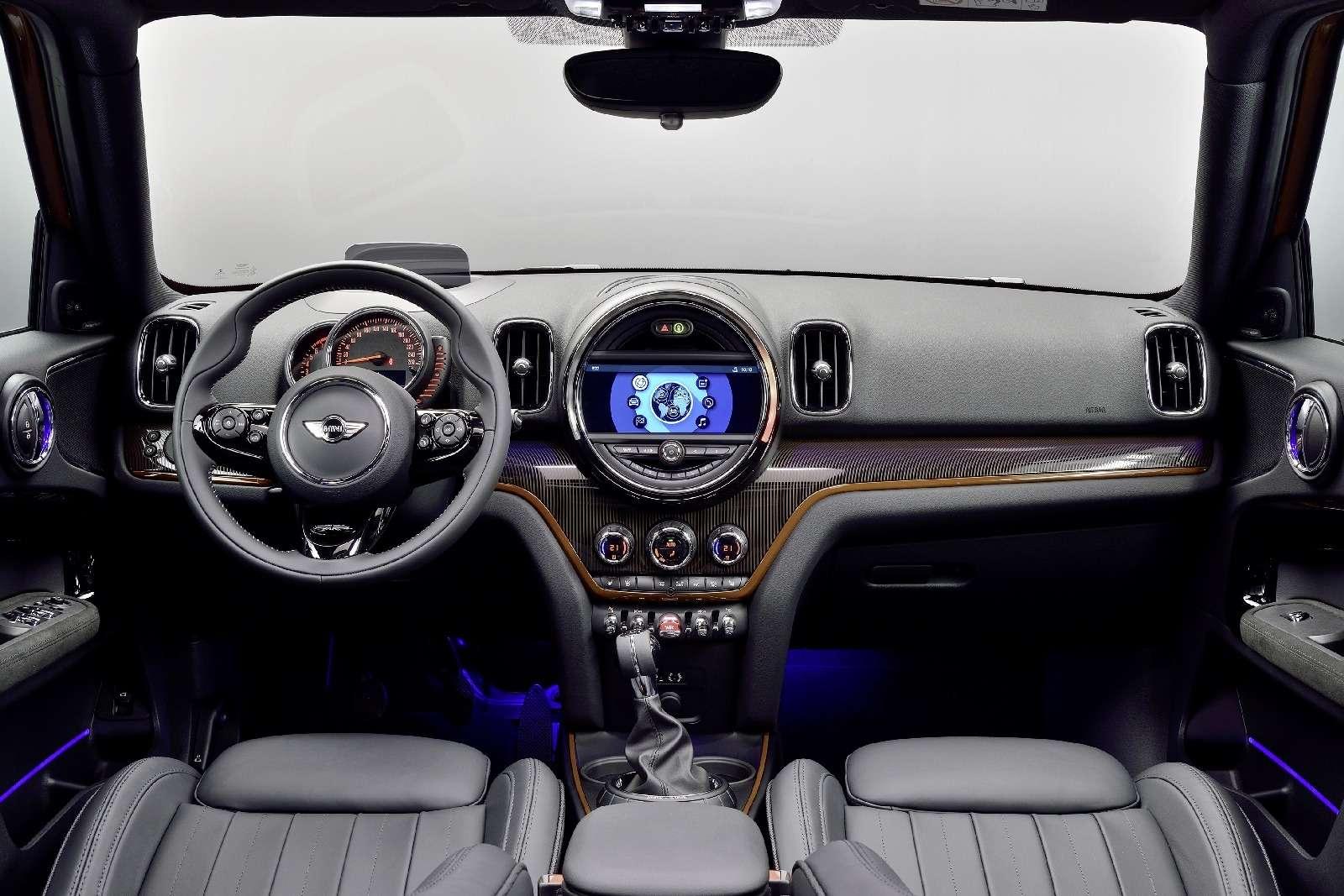 BMWнестанет прекращать поставки машин из-за ЭРА-ГЛОНАСС— фото 694179