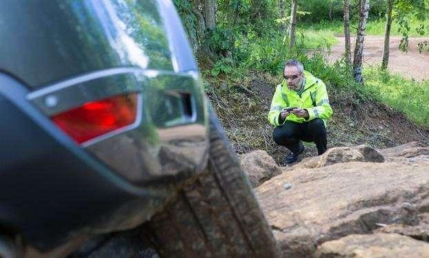Испытания прототипа Range Rover сдистанционным управлением