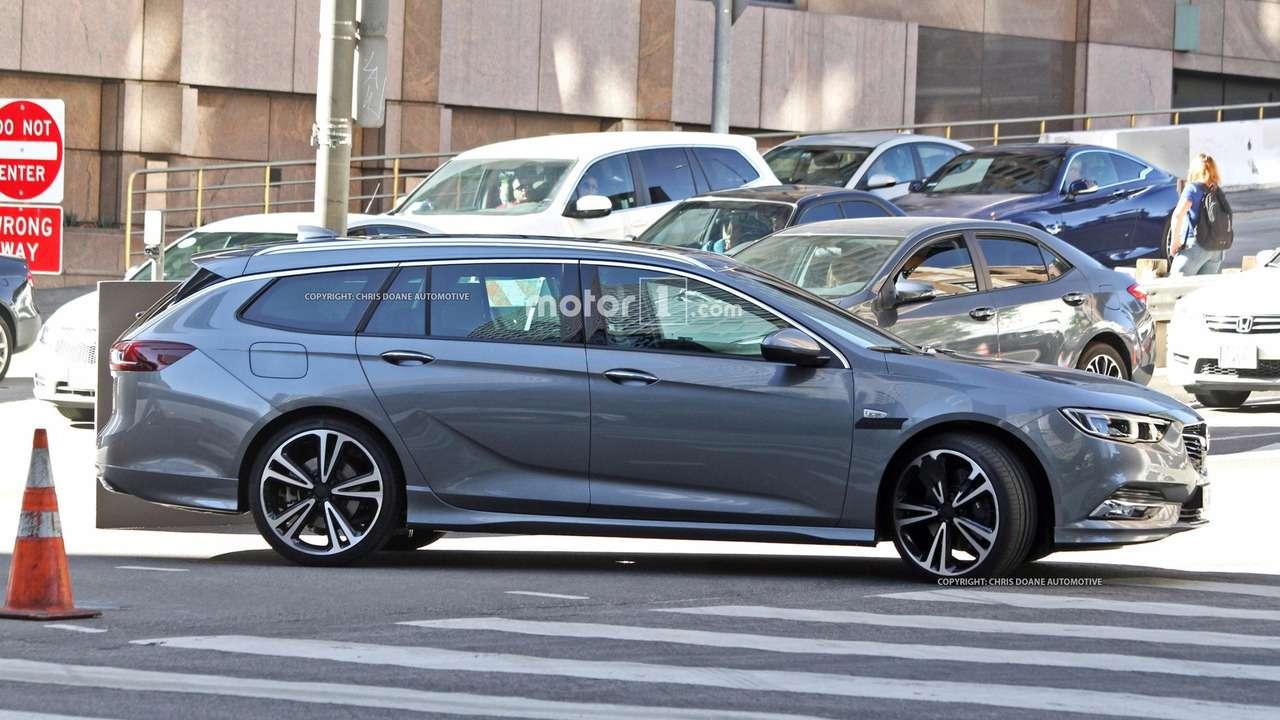Новый Opel Insignia: наулицах города вовсей красе!— фото 674297