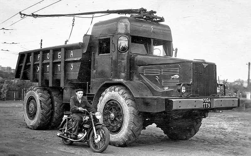 Троллейвоз набазе карьерного самосвала МАЗ-525