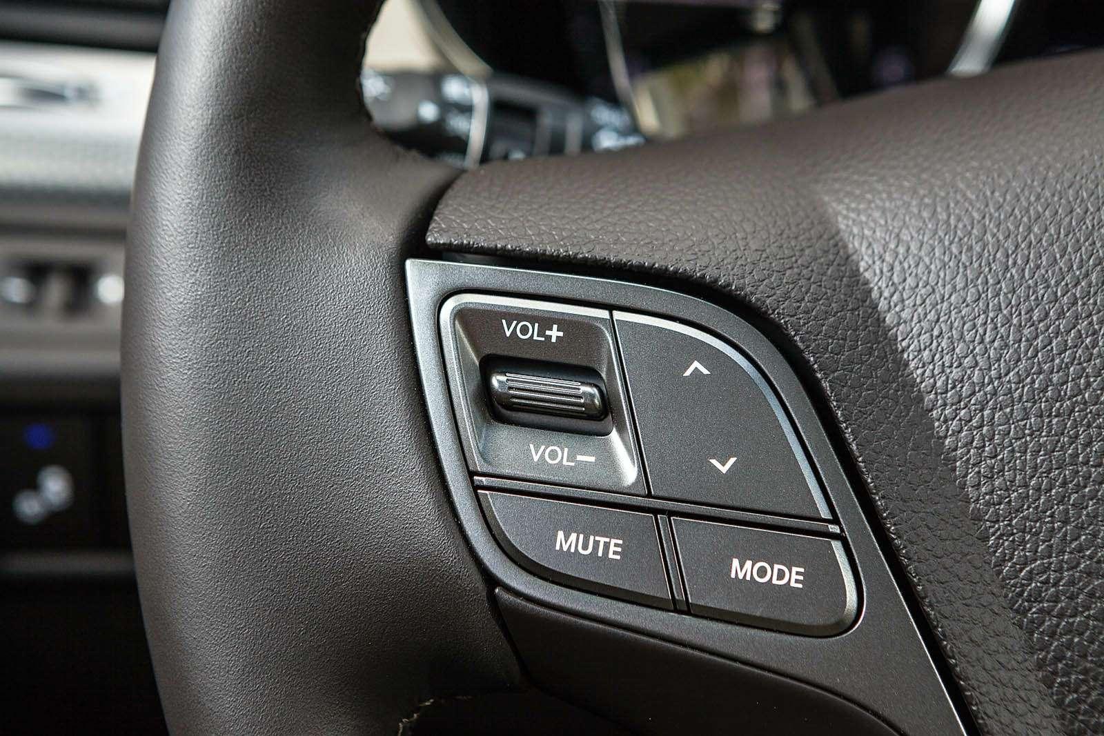 Обновленный Hyundai Grand Santa Fe: первый российский тест-драйв— фото 593798