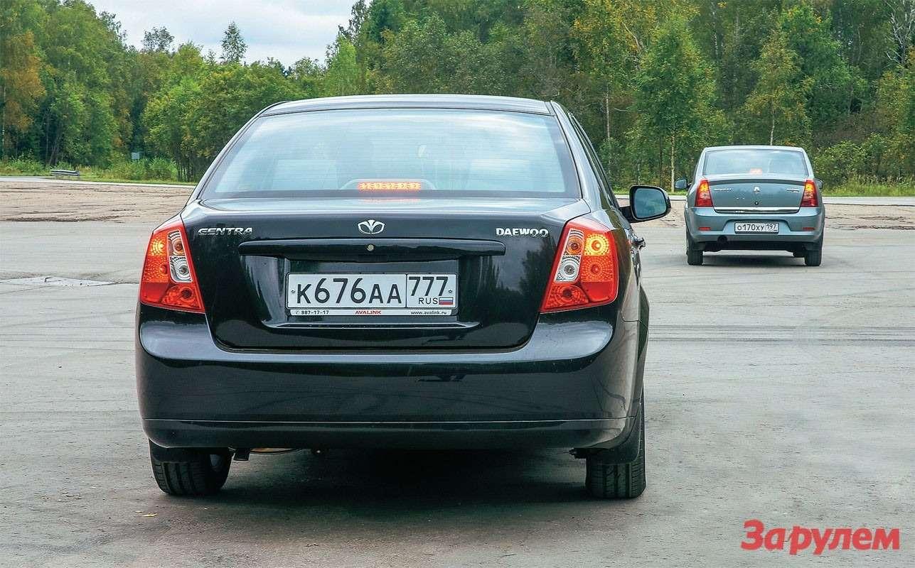 О том, что черный автомобиль не «Шевроле», расскажут шильдики. Нуа«Рено» с«Дачией» спутают разве что европейцы.