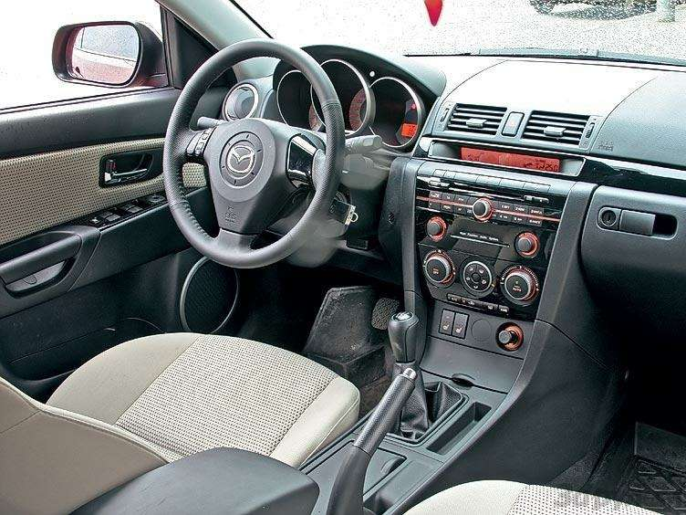 Комплектация Mazda 3: три пишем, пять вуме— фото 89694