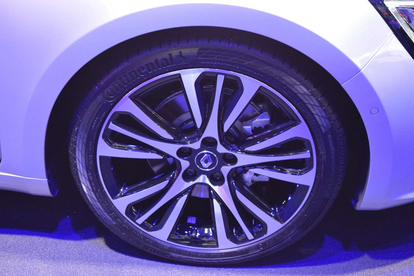 Renault Talisman заедет вавтопарк президента Франции— фото 390904