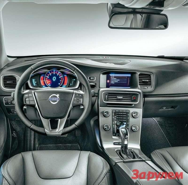 В салоне появились новые варианты отделки, руль сподогревом илепестками переключения передач иновая комбинация приборов.