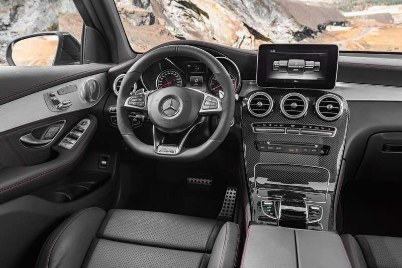 mercedes-amg_glc_43_4matic_2