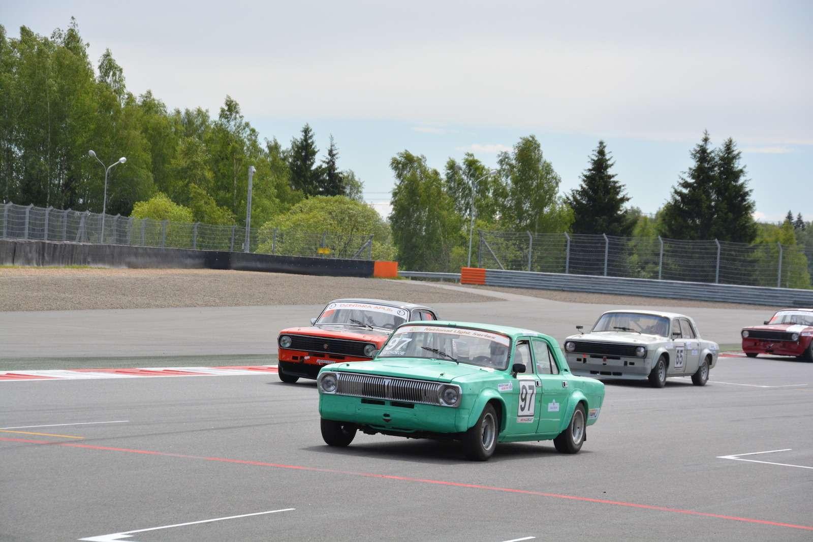 НаMoscow Raceway прошли гонки ретромобилей— фото 380482